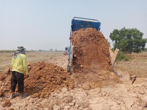 โครงการก่อสร้างถนนดินสายบ้านโสนหมู่ที่ 2 - บ้านโคกกล้วย